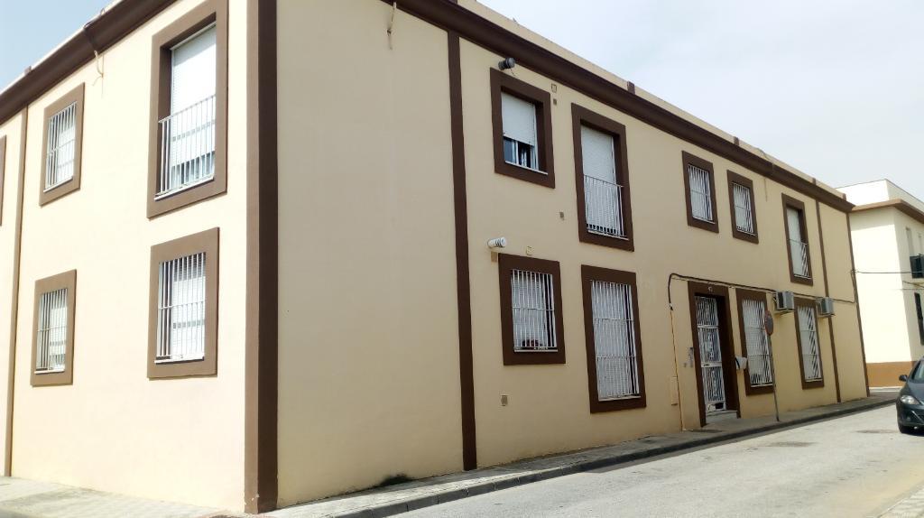 Piso de banco en utrera en venta 2034 0318 pe0001 for Pisos de bancos en sevilla