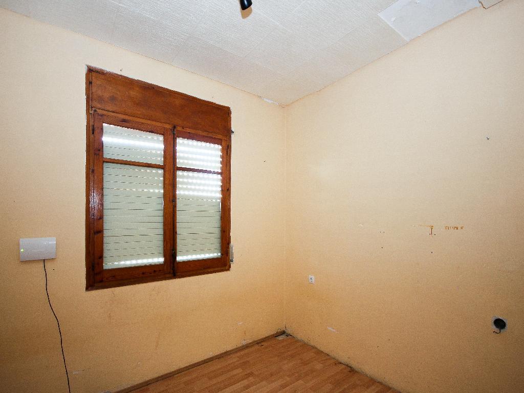 Casa De Banco En Torrelles De Foix En Venta 00316667 Altamira