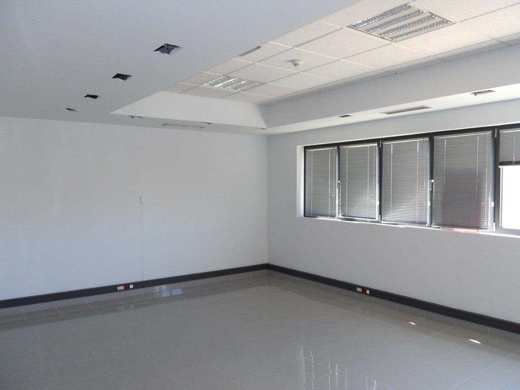 Oficina de banco en getafe en venta ba76914t altamira for Oficina consumidor getafe