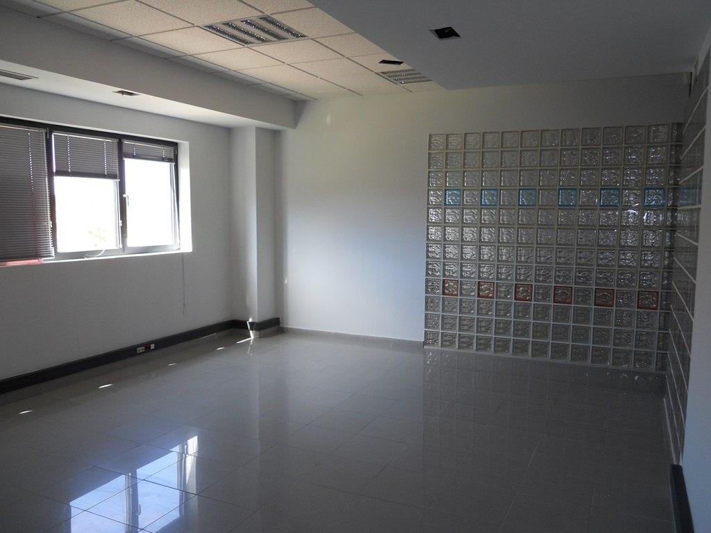 Oficina de banco en getafe en venta ba76914t altamira for Oficina de correos getafe
