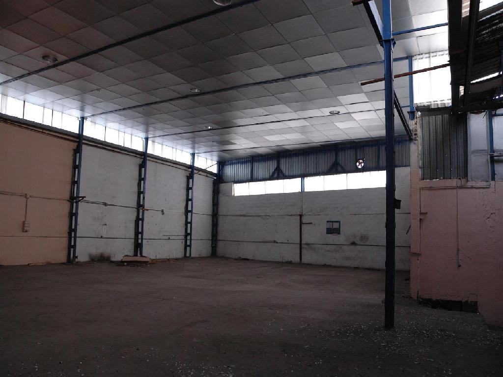 Nave industrial de banco en parla en venta 00095965 for Oficina banco santander fuenlabrada