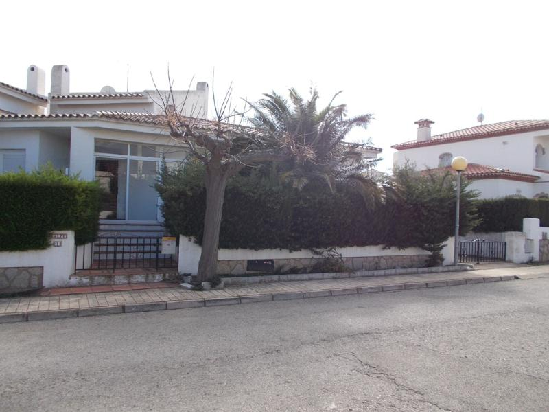 Casas en venta en miami playa tarragona stunning casa for Apartamentos jardin playa larga tarragona
