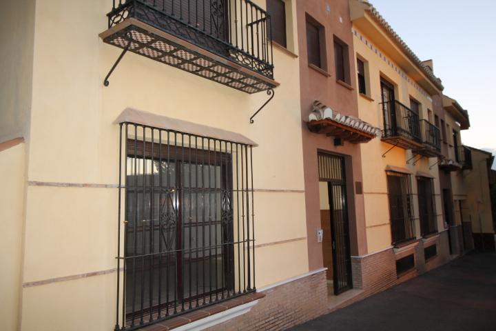 Piso de banco en monachil en venta 00306770 altamira for Pisos obra nueva granada
