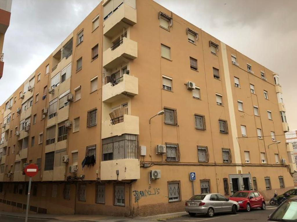 Piso de banco en almeria en venta 00221984 altamira - Pisos de bancos en almeria ...