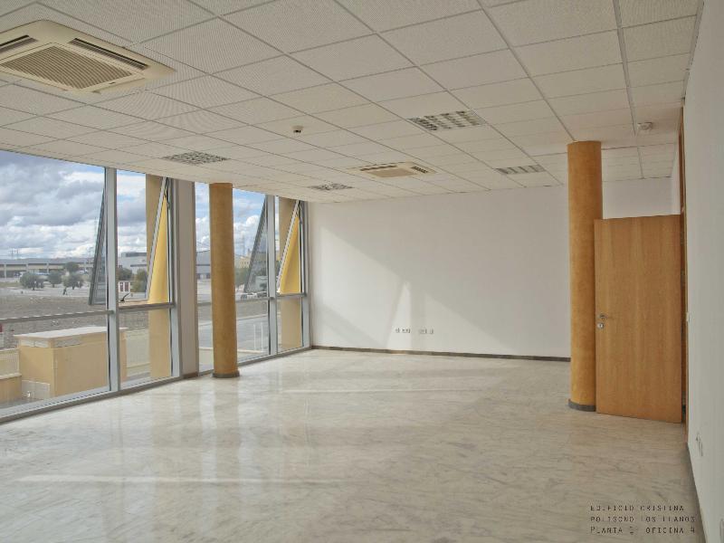Oficina de banco en salteras en venta 738 28321 for Oficina zurich los llanos de aridane
