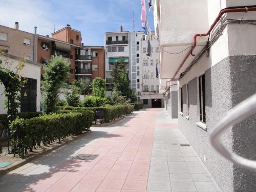 piso-en-venta-en-gomez-acebo-semisotano-a-madrid