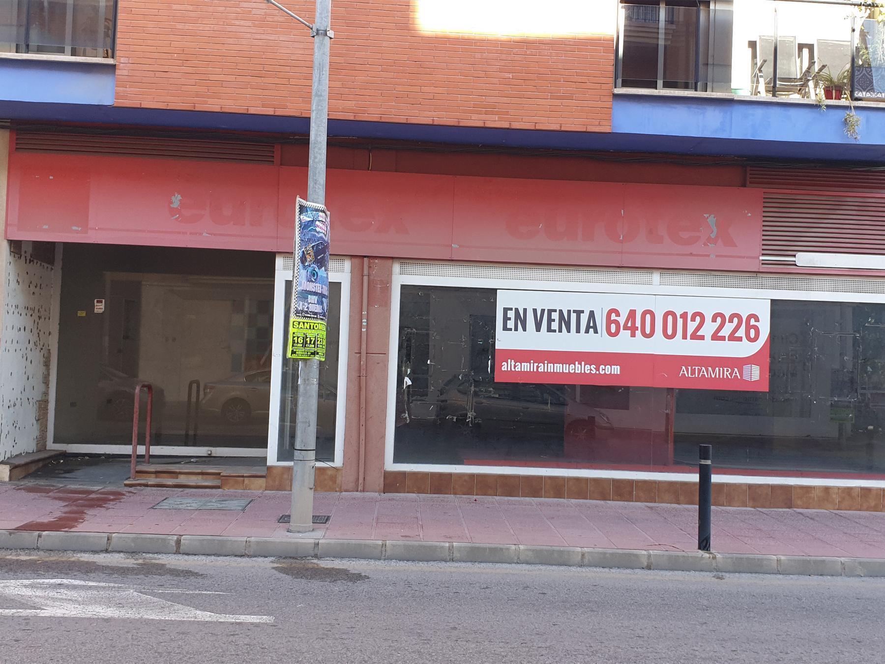 Premise Comercial in Santomera